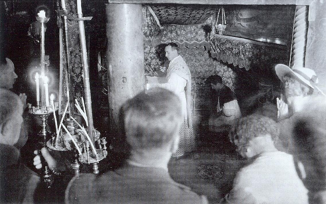 Sv. Misa u špilji Rođenja Isusova u Betlehemu.