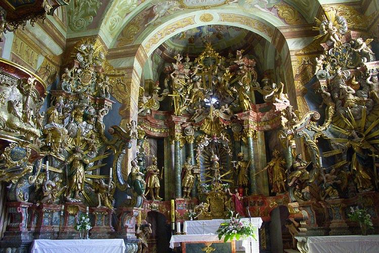 Župna crkva sv. Marije Snježne u Belcu jedan je od najljepših primjera barokne umjetnosti u sjevernoj Hrvatskoj.