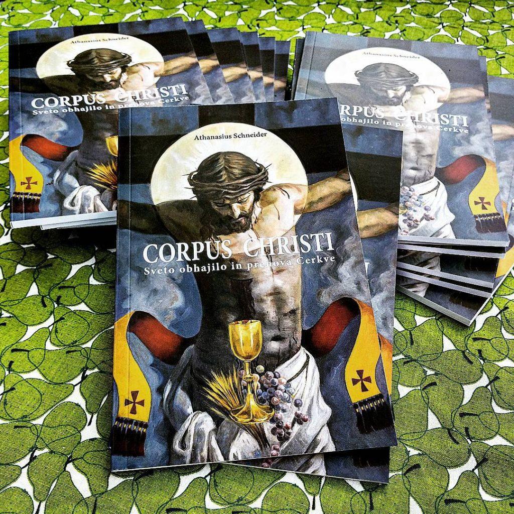 """Knjiga """"Corpus Christi"""" u slovenskom prijevodu."""